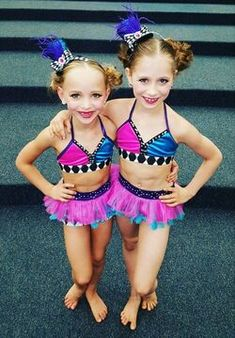 Dance Moms Minis, Dance Moms Dancers, Dance Mums, Ballet Dancers, Dance Moms Costumes, Jazz Costumes, Dance Outfits, Girls Red Christmas Dress, Dance Moms Season 8