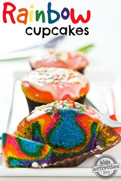 Oh! Perfect for baking with kids. Color mixing and cooking all in one activity!