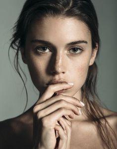 Photobeautiful woman