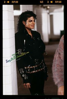 Michael Jackson BAD on the Set with a gentle grin in HQ  - michael-jackson Photo