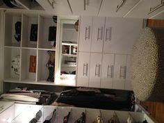 White Contemporary Closet