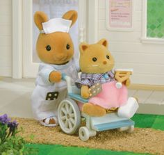 ... and now I would like my little brother to be 5 again, so that he could destroy my sylvanians and I could put them in this oh-so-cute wheelchair !