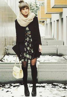 Девушка в легком платье