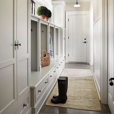 #BPIoves this #lightfilled #mudroom with #greycabinetry by #mollyquinninteriors