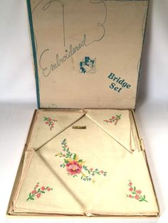 Vintage Card Table Bridge Set Table Cloth 4 Napkins Embroidered Linen Mid Century Box New Unused