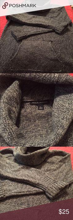 Banana Republic sweater Grey Heather 100% Merino wool sweater. Small cowl neck and kangaroo pockets.  Very warm! Banana Republic Sweaters Cowl & Turtlenecks