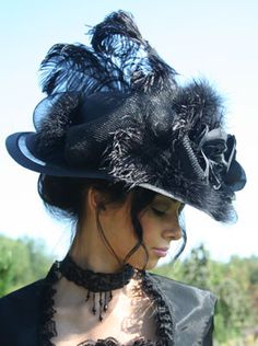 Risultati immagini per victorian hats and bonnets Victorian Hats, Victorian Steampunk, Victorian Fashion, Vintage Fashion, Steampunk Hat, Steampunk Fashion, Vintage Outfits, Mad Hatter Hats, Mad Hatters