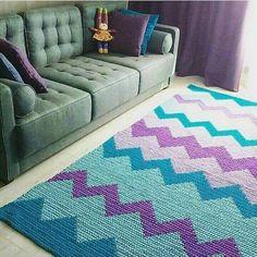 New Crochet Doilies Modern Decor 36 Ideas Crochet Doily Rug, Crochet Carpet, Tapestry Crochet, Crochet Squares, Crochet Yarn, Crochet Patterns, Diy Carpet, Rugs On Carpet, Handmade Home
