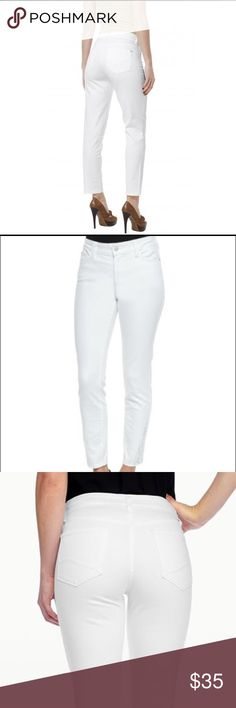 "NYDJ white ankle jeans w/ lift & tuck technology ! fitted ankle cut, comfortable flattering jeans, lifts & shapes instantly makes you appear 1 size smaller, a must for your posh closet! Waist 30"" Hips 39 1/2"". NWOT NYDJ Pants Straight Leg"