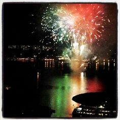 There's nothing like ending your night with fireworks on the San Diego Bay! Thanks to Julie Fritz for sharing this photo. #sandiego #bay #fireworks #view