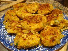 Veganizzm.com - Chickpea Quinoa Falafel - pretty much a unique veggie burger!
