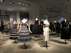 Dior collection at the Royal Ontario museum  #romdior #hautecouture #christiandior