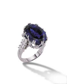 18k White Gold TANZANITE Ring.