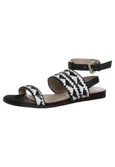 Geometric weave sandals, €45 - Zign via Zalando