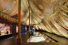 Türckische Cammer: Tent gallery: The large three-mast tent (20m long, 8m wide, 6m high); Photo David Brandt © SKD