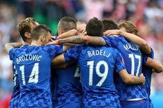 <b>Tschechische Republik - Kroatien 2:2<br /></b>Über 75 Minuten dominieren die Kroaten die Partie, geben sie dann aber aus der Hand und verspielen einen Zwei-Tore-Vorsprung.
