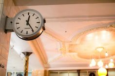 Located on the rue du Faubourg Saint-Antoine, near the bustling Place de la Bastille, the Pause Cafe was immortalized in the 1996 cult movie Chacun Cherche son Chat. [old clocks are so attractive]