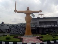 Court jails two for attempt to smuggle $5.5m out of Nigeria - http://www.yahoods.com/court-jails-two-for-attempt-to-smuggle-5-5m-out-of-nigeria/