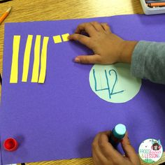 Understanding Base Ten requires a lot of practice. Here are a few Base Ten activities that you can use in your classroom. They are great for practice and for assessments! 2nd Grade Classroom, 1st Grade Math, Math Classroom, Kindergarten Math, Teaching Math, Grade 1, Second Grade, Teaching Ideas, Classroom Ideas