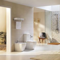 Finisaj lucios, dobândind un aspect ce inspiră curățenie și luminozitate. #mobexpert #baie #mobilierbaie #sanitare #reduceri Set Wc, Bathtub, Bathroom, Interior, Home Decor, Faucet, Standing Bath, Washroom, Bathtubs