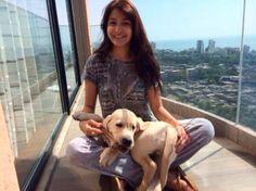 Anushka Sharma with her Labrador Dude. Pic/Anushka Sharma's Twitter account | #indipin