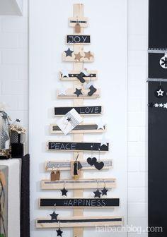 Alternative Weihnachtsbaum-Ideen I Holzlatten I Black, White, Nature I Tafelstoff I Chalkboard