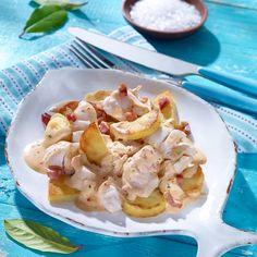 Feines Fischfilet mit cremiger Soße und Bratkartoffeln