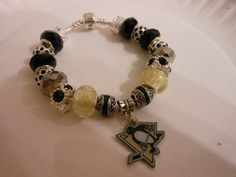 Pittsburgh Penguins Bracelet - Gotta love you some hockey jewelry.