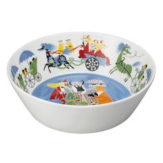 Arabia's Moomin Friendship serving bowl has a white exterior and a lovely, printed interior. The Moomin Friendship collection features illustrations based on Tove Jansson's storybook, Who Will Comfort Toffle? Moomin Mugs, Tove Jansson, Swedish Brands, Sweet Stories, Scandinavian Living, Nordic Design, Marimekko, Plates And Bowls, The Originals
