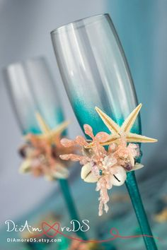 Beach wedding champagne glasses сoral and turquoise от DiAmoreDS