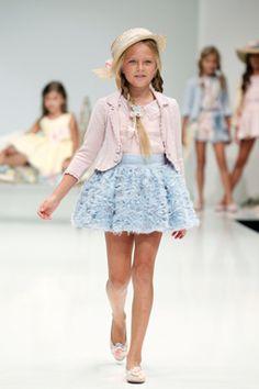 Moda para Niños y Niñas: Diseñador Larrana