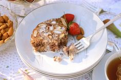 Strawberry Almond Baked Oatmeal | WholeLifestyleNutrition.com