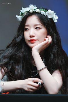 Kpop Girl Groups, Korean Girl Groups, Kpop Girls, K Pop, Heather Lee, Kpop Drawings, Cube Entertainment, Cute Korean, Soyeon