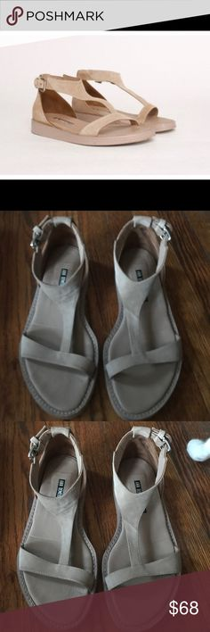 ANN DEMEULEMEESTER Camoscio Sandals 7 ANN DEMEULEMEESTER Camoscio Nude Suede Leather Y-Shape Strap Sandals 6.5/36.5/37. Excellent condition, no flaws to note. Ann Demeulemeester Shoes Sandals
