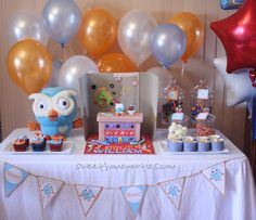 A fantastic Giggle & Hoot themed table :-D