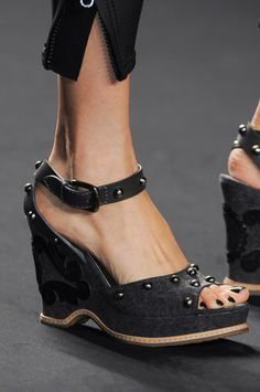 Anna Sui Spring 2013 - Rocking shoes!