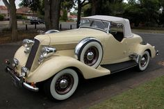 1935 Studebaker Commander Eight.
