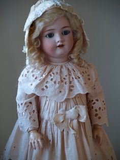 German Antique Handwerck Halbig Doll in Sweet Eyelet Dress and Lace Bonnet | eBay
