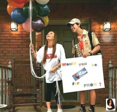 """Ideas Vines Pairs Top Favorite - -Suggestions Ideas Vines Pairs Top Favorite - - Homecoming Proposal """"When Pigs Fly, Will You Go To Homecoming With Me?"""" VSCO - but look 😍 Cute Homecoming Proposals, Hoco Proposals, Prom Pictures Couples, Prom Couples, Cute Relationship Goals, Cute Relationships, Greys Anatomy, Cute Promposals, Dance Proposal"""