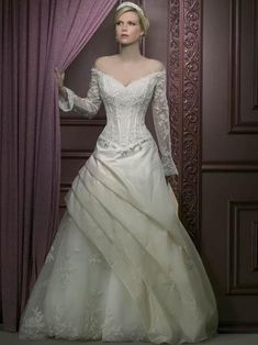 16 Wedding Gowns Every Disney-Crazy Bride Would Love | Disney ...