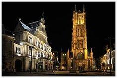 Bezienswaardigheden Gent dat zijn er in de tweede stad van België vele, zoals het Gravensteen, het Belfort, de Graslei en nog vele anderen. Bezienswaardigheden Gent zeker een dag of een weekendje waard.