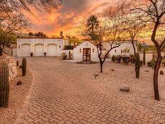 Hacienda Style Homes, Spanish Style Homes, Spanish House, Spanish Colonial, Spanish Revival, Mexican Style Homes, Spanish Bungalow, Mexican Hacienda, Mexico House