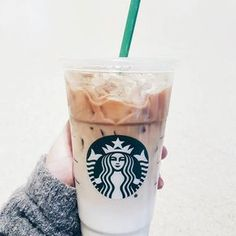 Topped with the new Blonde Espresso the Iced Latte Macchiato is transformed into a subtly sweet, ombré piece of art. Starbucks Latte, Starbucks Vanilla, Starbucks Secret Menu, Iced Latte, Coffee Latte, Coffee Shop, Coffee Barista, Coffee Girl, Coffee Cozy