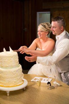 8.20.16 Kristy & Mike #wedding #weddingcake