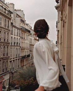 Photography People City Adventure Ideas For 2019 V Instagram, Vintage Instagram, Jolie Photo, Concrete Jungle, Travel Aesthetic, Aesthetic Photo, Aesthetic Girl, Parisian Style, Cover Design