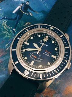 Classic dive watch beauty. The deep blue dial @divingwatches Master with Reserve de Marche complication, we have just one available. #pageandcooper #watch #watches #squale #squalewaches