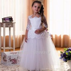 New Hot Princess Lace Three Quarter Sleeves White
