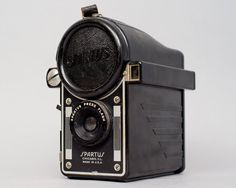 ($15.00) An awesome old box camera that takes a giant flash bulb. Great condition, but the plastic flash cover is cracked.