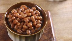Recettes traditionnelles de cabane à sucre - Recettes du Québec Baked Bean Recipes, Vegan Recipes, Canadian Dishes, Cooking Tips, Cooking Recipes, Baked Beans, French Food, Entrees, Waffles