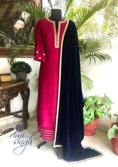 Indian Fashion Dresses, Indian Designer Outfits, Indian Outfits, Designer Dresses, Sequin Embroidery, Hand Embroidery Dress, Kurti Embroidery Design, Kurta Designs Women, Blouse Designs